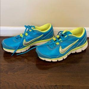 Nike Dual Fusion women's Sneakers 8.5